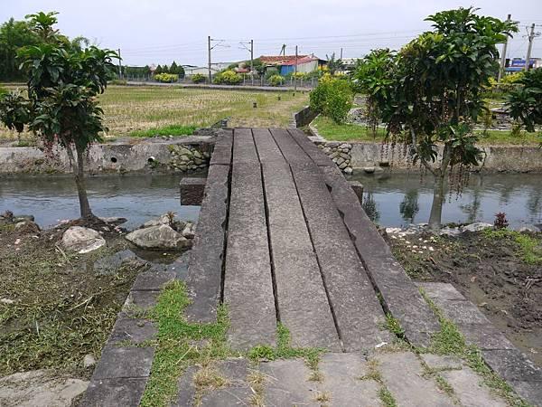 武暖石板橋 (6).JPG