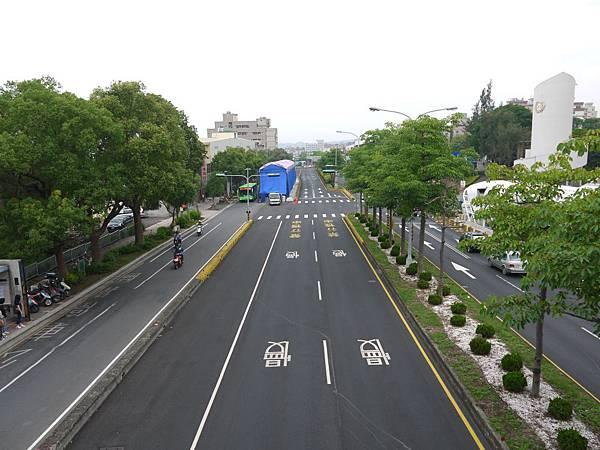 台12線&BRT (102).JPG