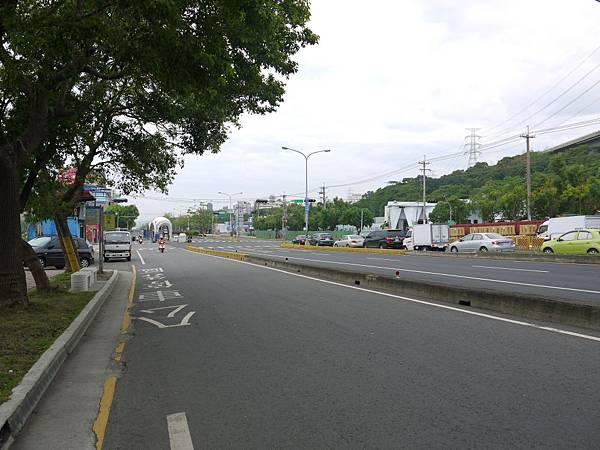 台12線&BRT (110).JPG