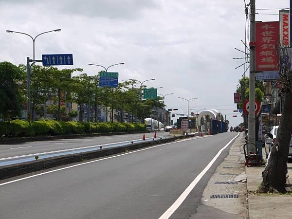 台12線&BRT (128).JPG