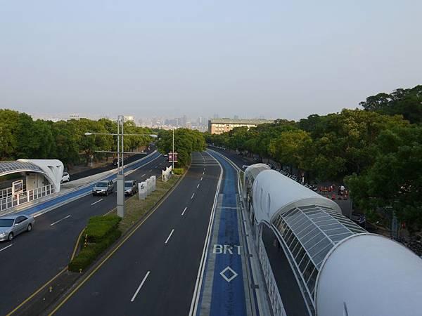 台12線&BRT (152).JPG