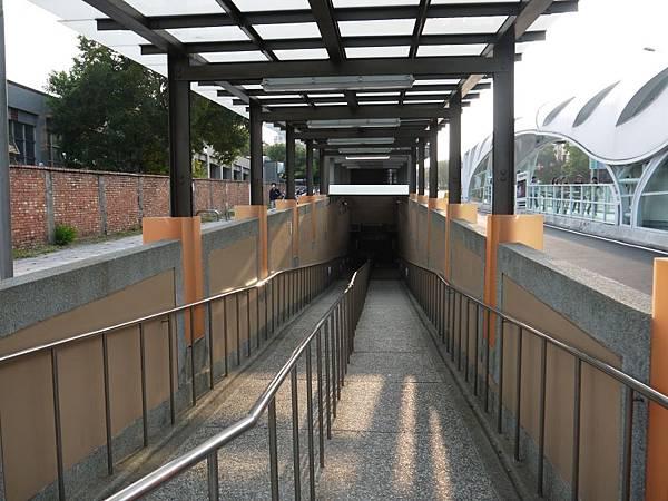 台12線&BRT (163).JPG