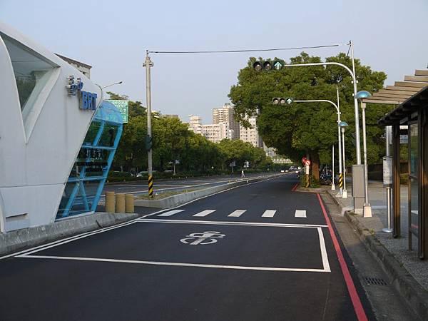 台12線&BRT (164).JPG