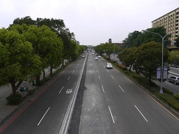 台12線&BRT (165).JPG