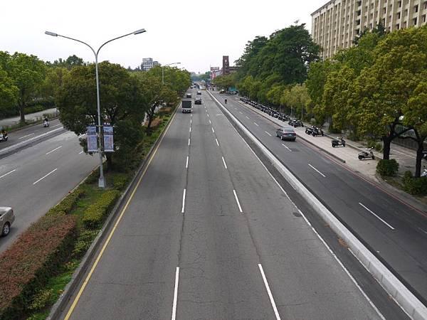 台12線&BRT (167).JPG