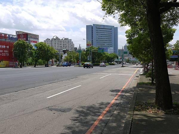 台12線&BRT (180).JPG