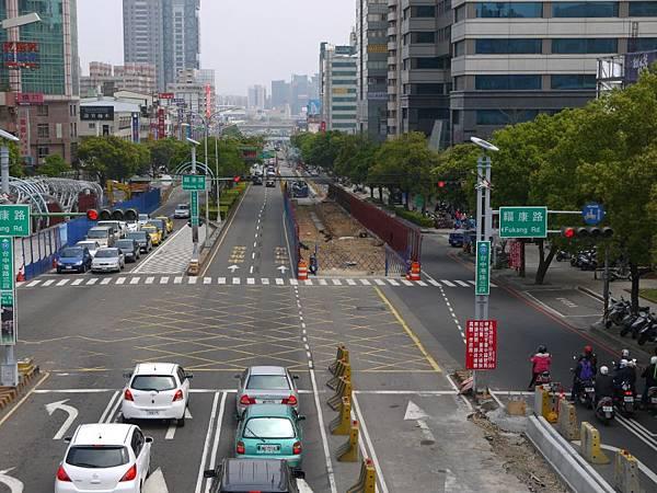台12線&BRT (181).JPG