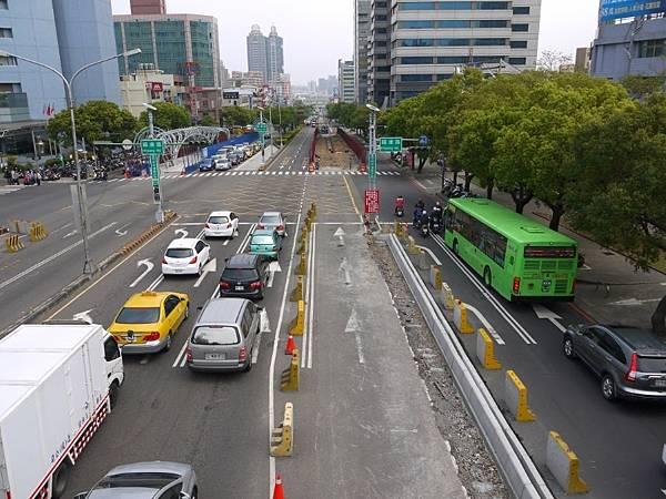 台12線&BRT (182).JPG