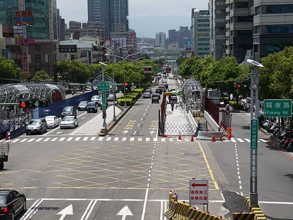 台12線&BRT (186).JPG
