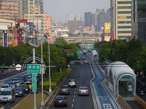 台12線&BRT (196).JPG