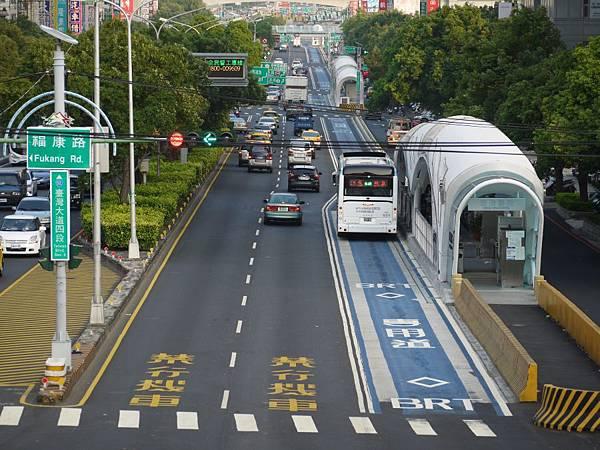 台12線&BRT (197).JPG