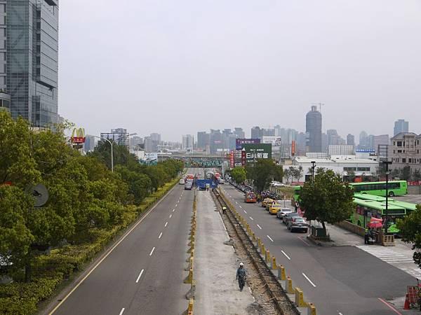 台12線&BRT (200).JPG