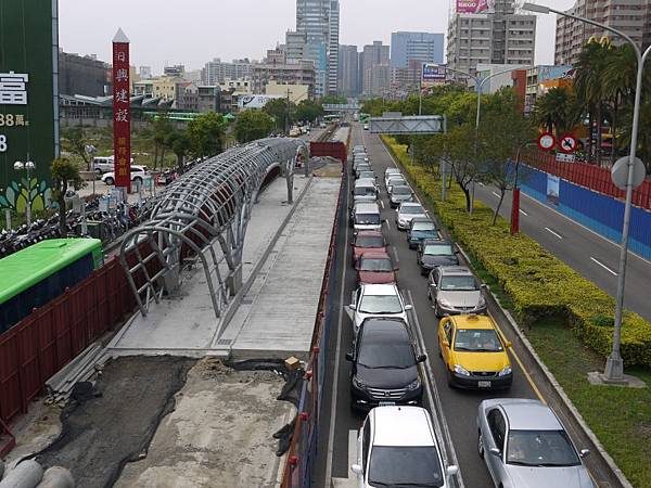 台12線&BRT (208).JPG