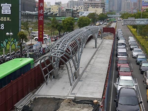 台12線&BRT (209).JPG