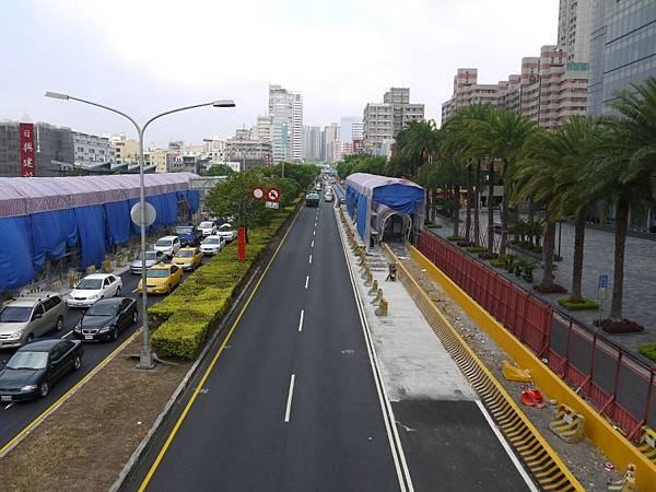 台12線&BRT (212).JPG