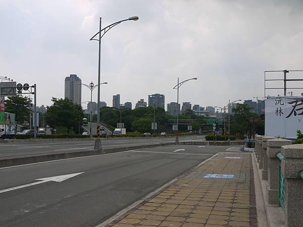 台12線&BRT (225).JPG