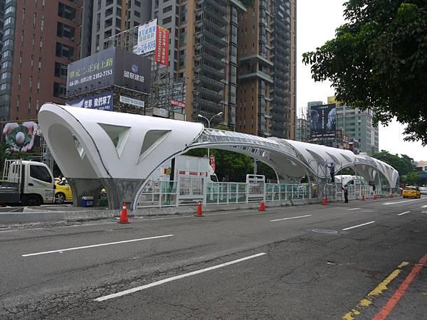 台12線&BRT (236).JPG