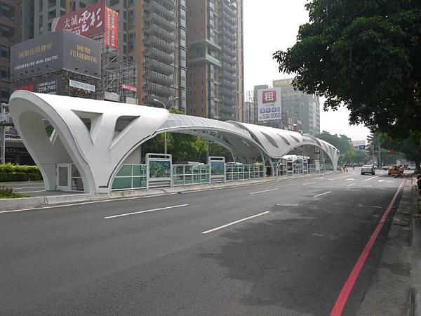 台12線&BRT (238).JPG