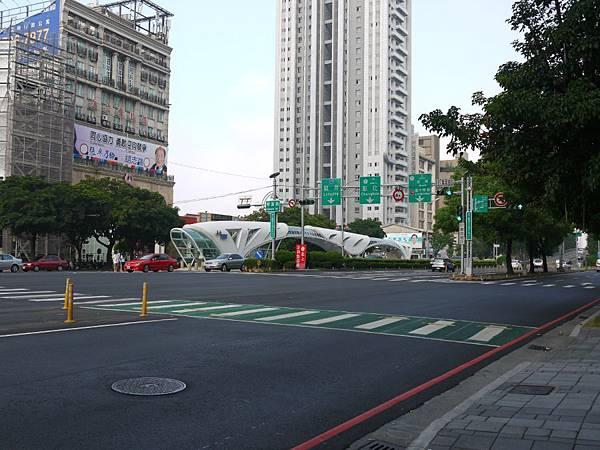 台12線&BRT (241).JPG