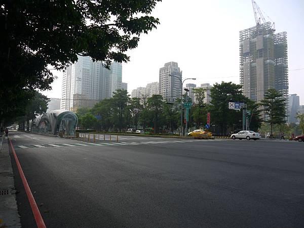 台12線&BRT (243).JPG