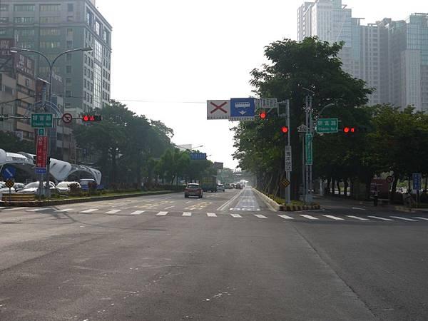 台12線&BRT (244).JPG