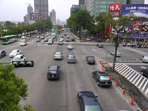 台12線&BRT (250).JPG