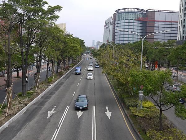 台12線&BRT (251).JPG