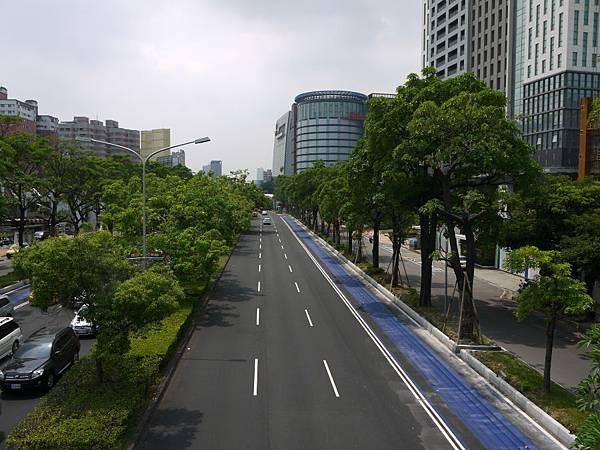 台12線&BRT (253).JPG