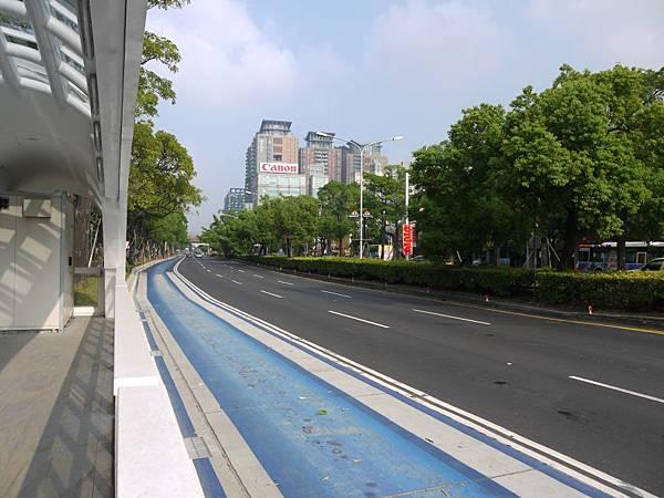 台12線&BRT (257-1).JPG