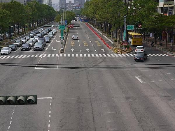 台12線&BRT (260).JPG