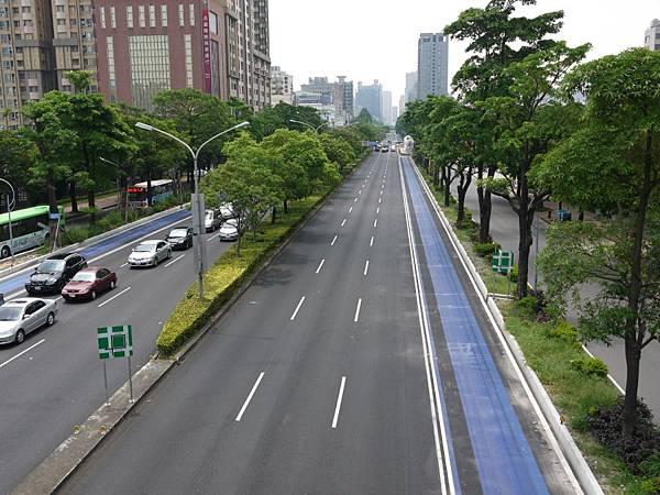 台12線&BRT (264).JPG