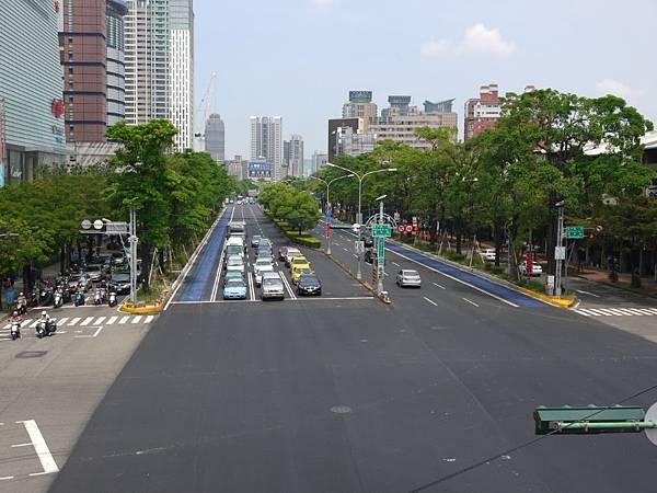 台12線&BRT (267).JPG