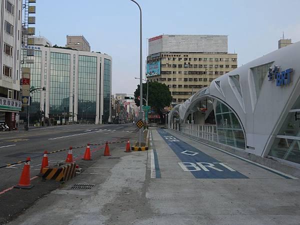 台12線&BRT (285).JPG