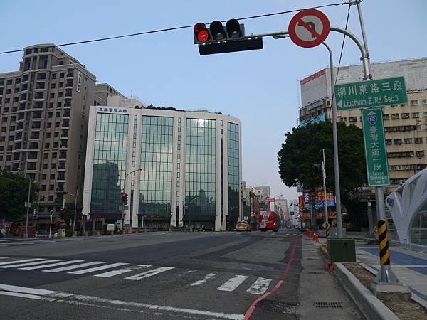 台12線&BRT (286).JPG