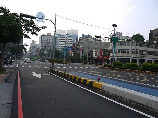 台12線&BRT (293).JPG
