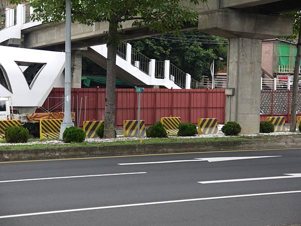 台12線&BRT (100).JPG