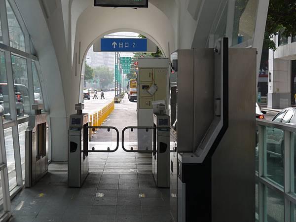 車站 (24).JPG