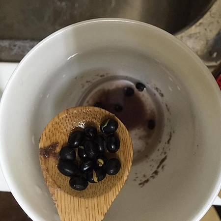 黑豆水增加奶量