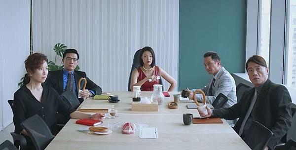 《最佳利益》資深律師群(由左而右):天心、蔣偉文、曾珮瑜、高山峰、王自強-1.jpg