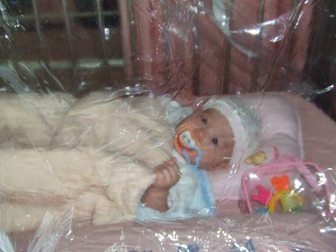 住院 睡氧氣罩.jpg