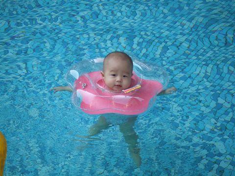 六個月 泳姿.jpg