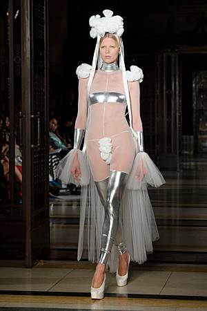 london-fashion-week-12_650_091813051743
