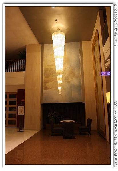 這盞燈頗有設計感滴