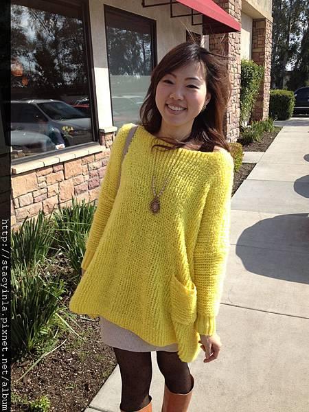 亮黃色單口袋造型毛衣(over size) II