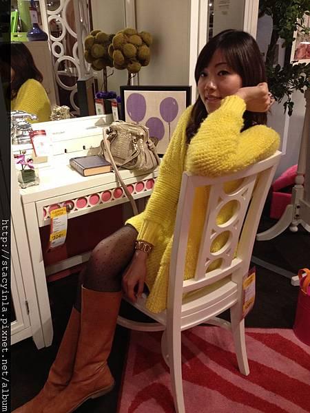 亮黃色單口袋造型毛衣(over size) VI