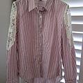 AS12 桃紅色簍空蕾絲條紋襯衫, 售價 $500