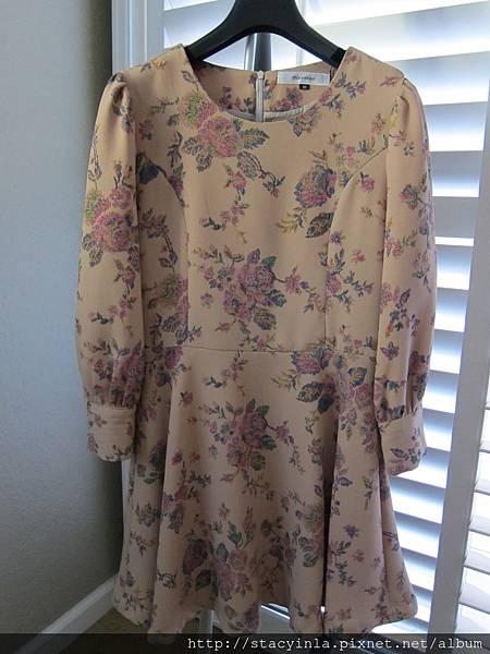 D3 復古剌繡玫瑰花洋裝 - 駝M, 售價 $1000