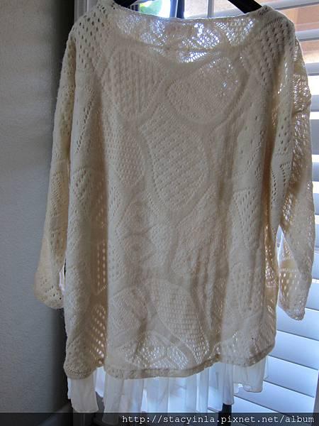 E12 假兩件奶油毛料拼雪紡短洋, 售價 $800