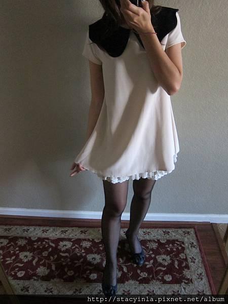M1 米白X黑色花瓣領配色質感小洋裝, 售價 $800