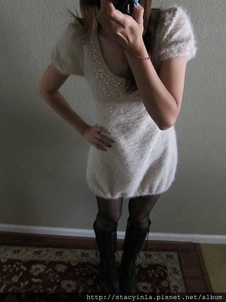 M3 淺米杏色珍珠鑽石綴飾毛料花苞洋裝, 售價 $800